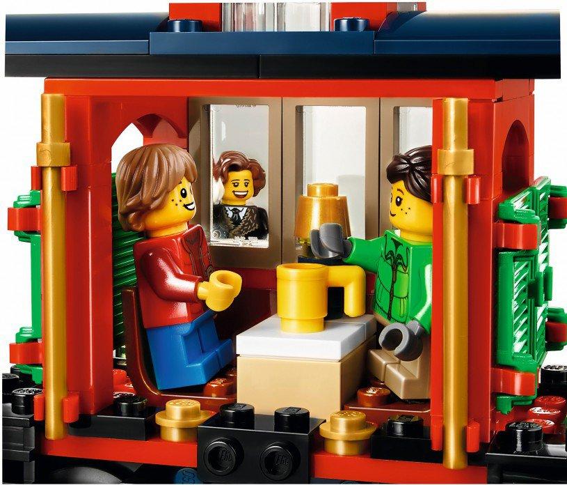 LEGO Creator Wintervakantietrein 10254