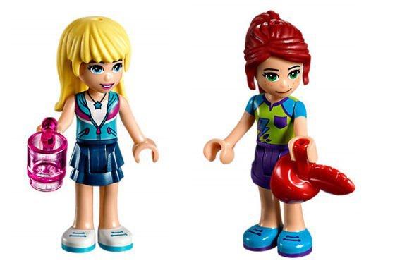 LEGO 41339 Friends: Mia`s camper