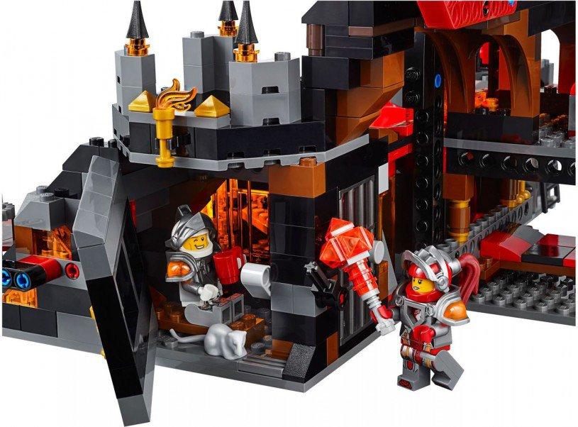 LEGO Nexo Knights Jestro's Vulkaan basis 70323