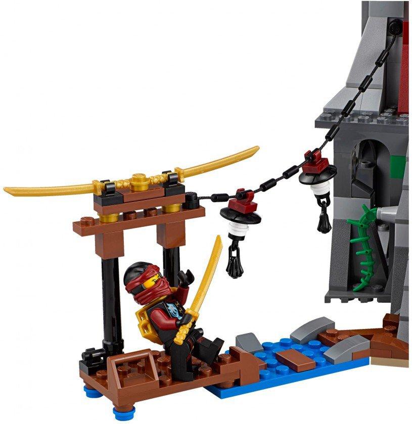 LEGO Ninjago 70594: Belegering van de vuurtoren