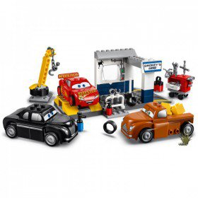 LEGO 10743 Juniors: Smokeys garage