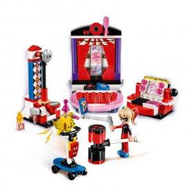 LEGO 41236 Super Heroes Girls: Harley Quinn nachtverblijf