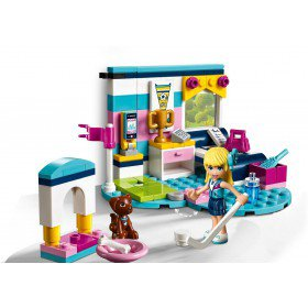 LEGO 41328 Friends: Stephanie`s slaapkamer
